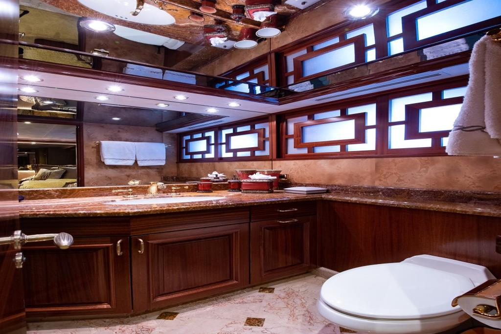 2010 Westport Raised Pilothouse Image Thumbnail #40