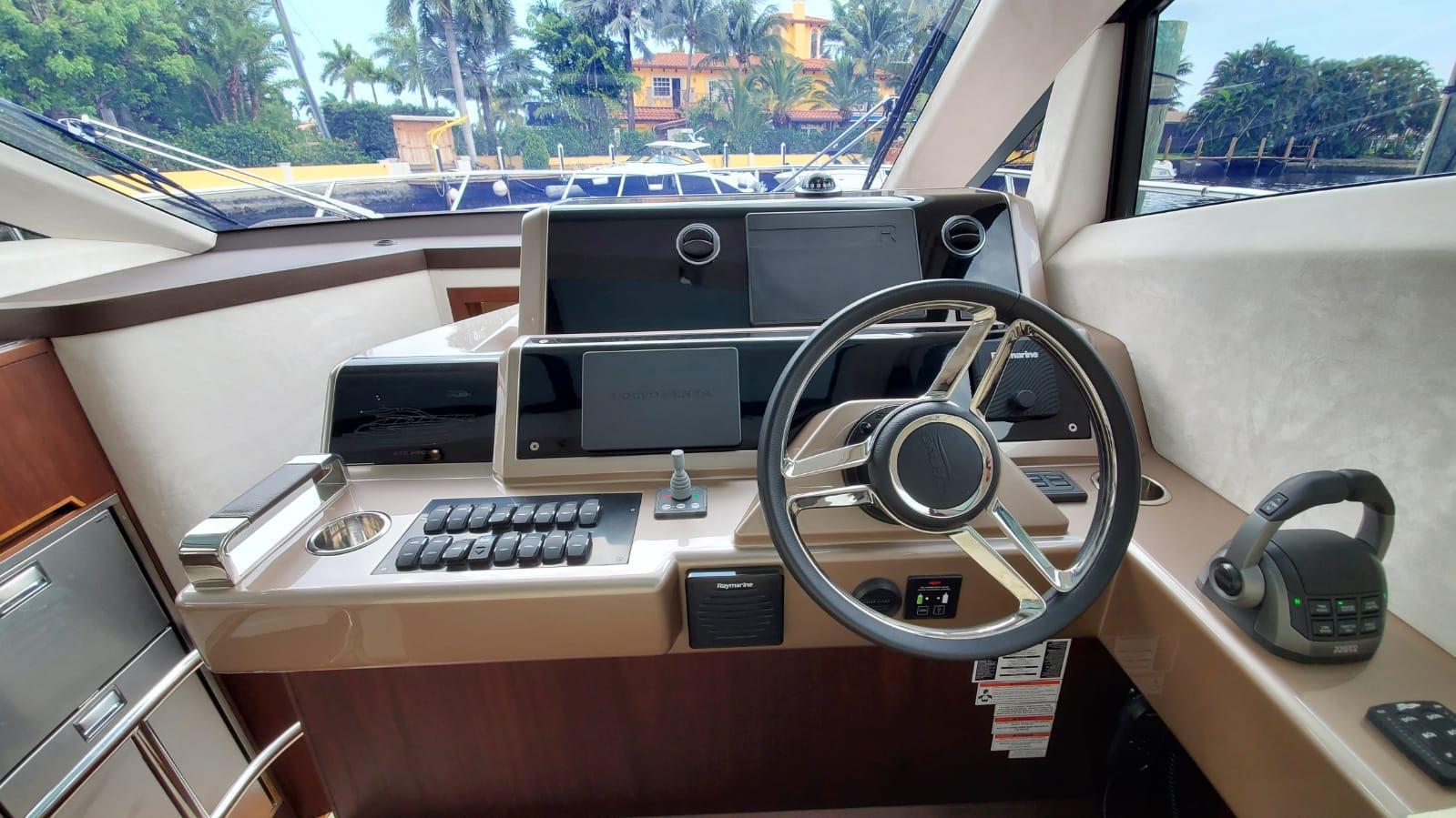 2020 Galeon                                                              430 HTC Image Thumbnail #33
