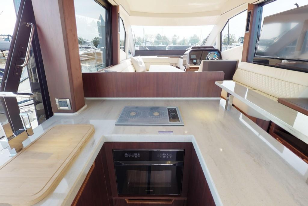 Photo 38 for 2020 Galeon 500FLY