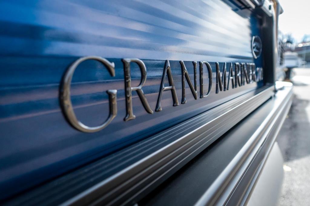 2019 Harris Grand Mariner 270 Image Thumbnail #4