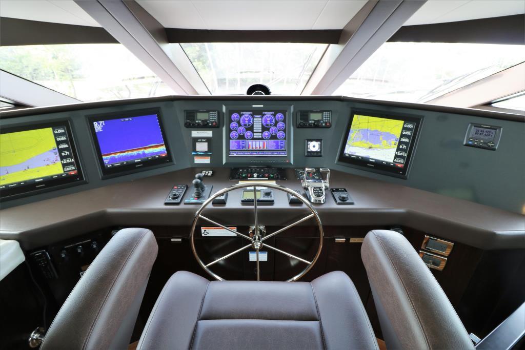 2016 Hatteras 100 Raised Pilothouse Image Thumbnail #48