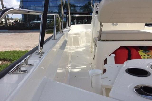 Photo 10 for 2019 Boston Whaler 150 Montauk