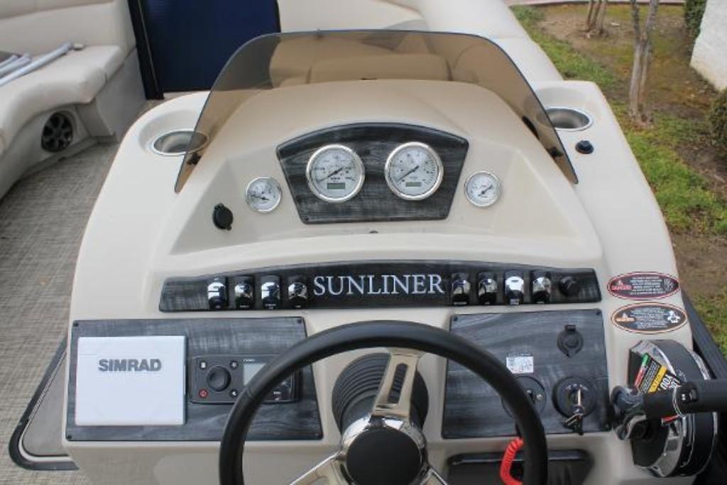 2019 Harris Sunliner 230 Image Thumbnail #5