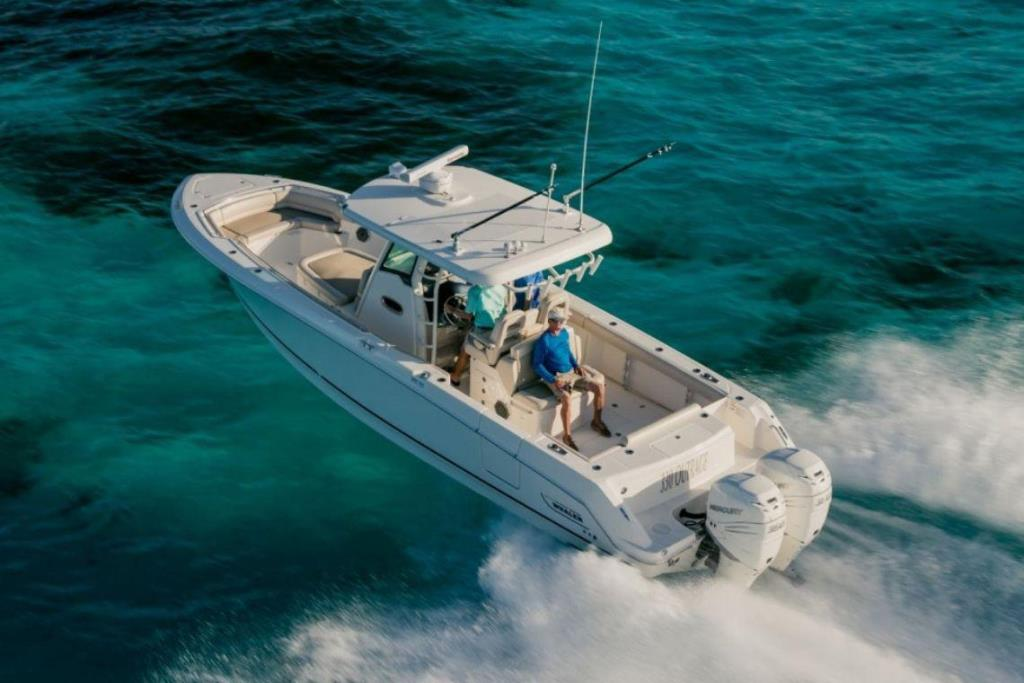 Photo 5 for 2019 Boston Whaler 330 Outrage