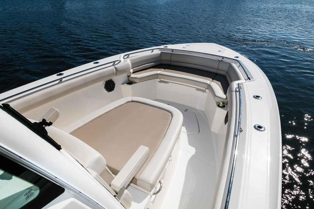 Photo 6 for 2019 Boston Whaler 330 Outrage