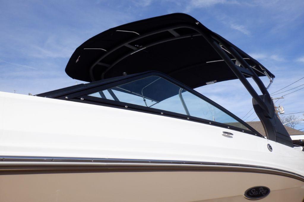 2019 Sea Ray SDX 250 Outboard Image Thumbnail #2