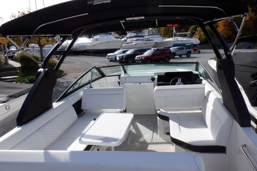 2019 Sea Ray SDX 250 Outboard Image Thumbnail #7
