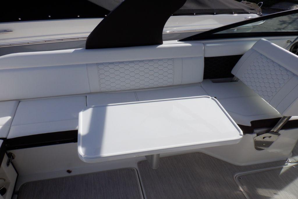 2019 Sea Ray SDX 250 Outboard Image Thumbnail #12