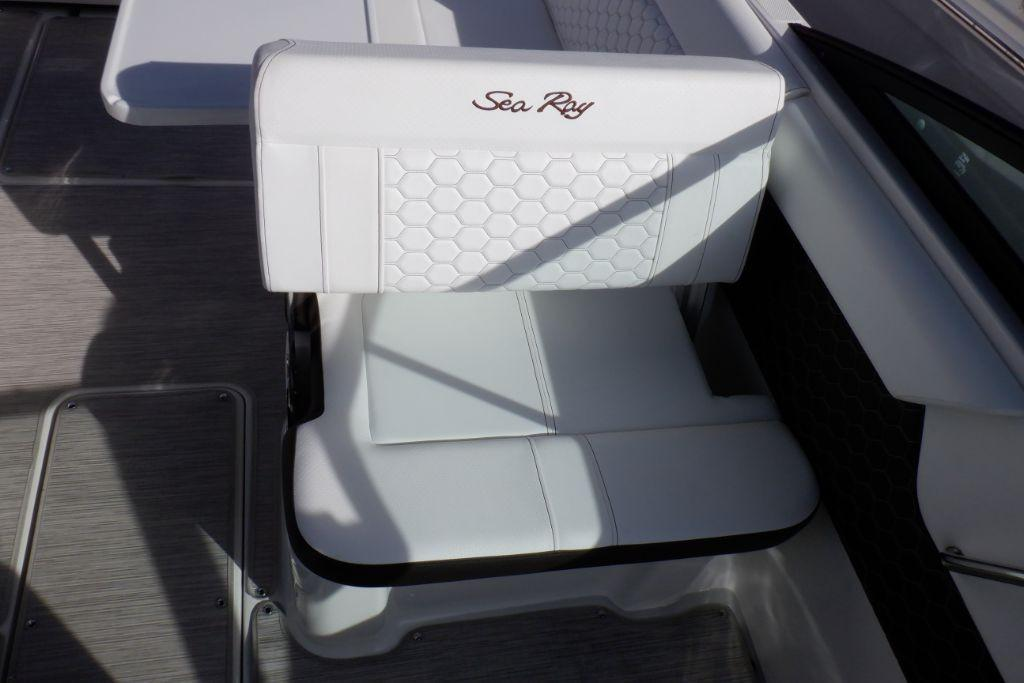 2019 Sea Ray SDX 250 Outboard Image Thumbnail #14