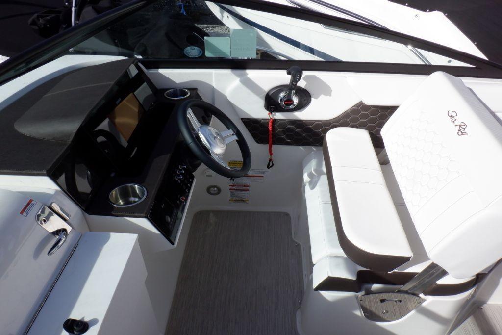 2019 Sea Ray SDX 250 Outboard Image Thumbnail #16