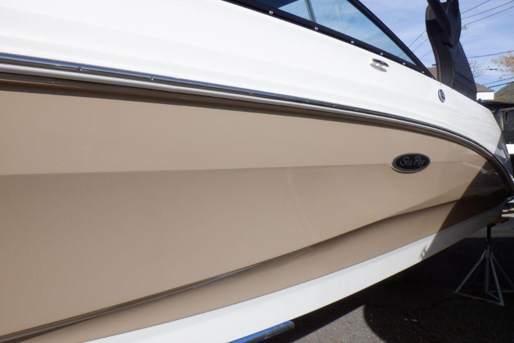 2019 Sea Ray SDX 250 Outboard Image Thumbnail #3