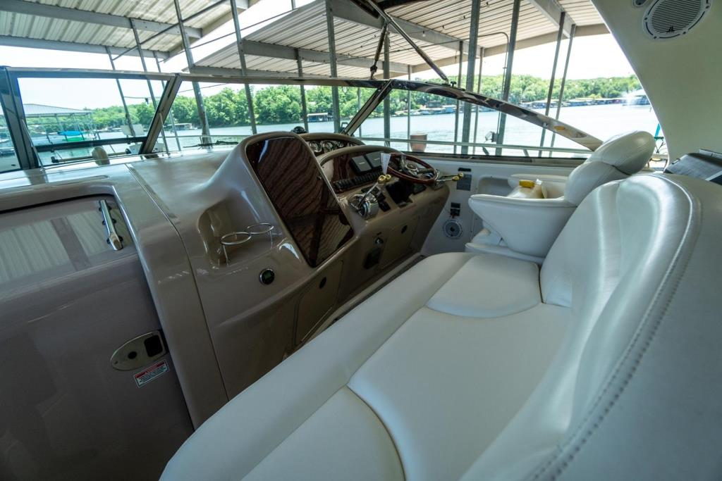 2002 Sea Ray 410 Express Cruiser  Image Thumbnail #4