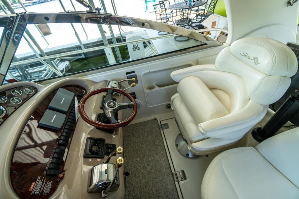 2002 Sea Ray 410 Express Cruiser  Image Thumbnail #7