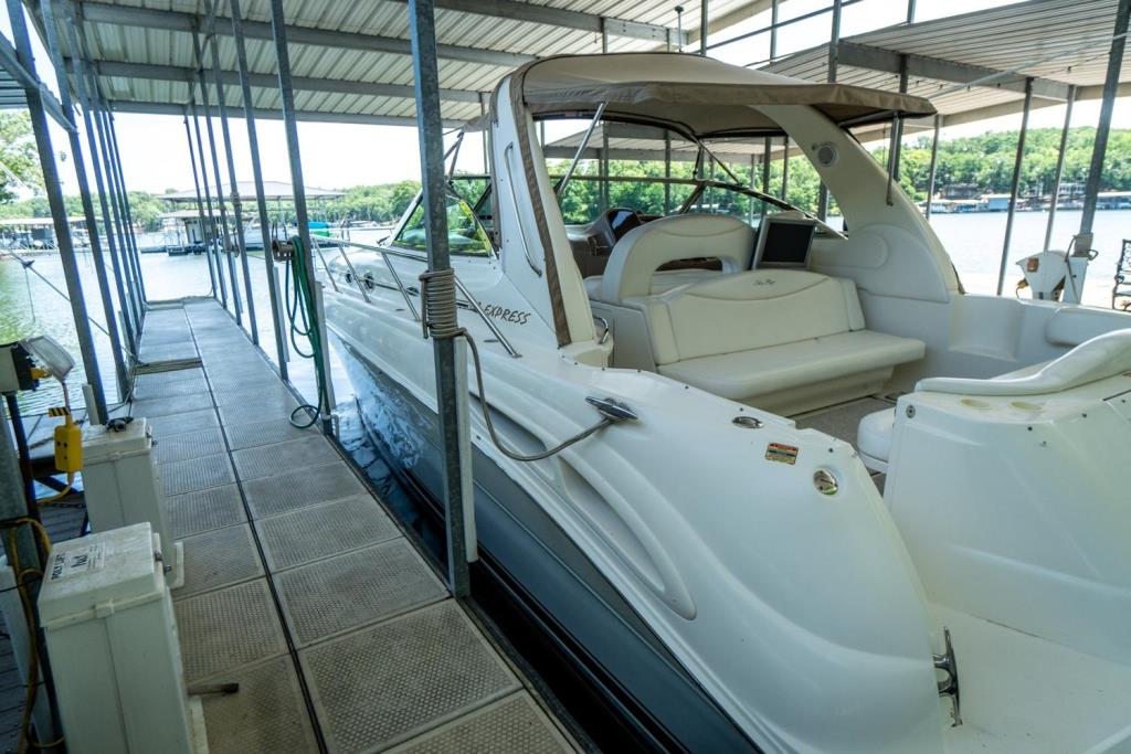 2002 Sea Ray 410 Express Cruiser