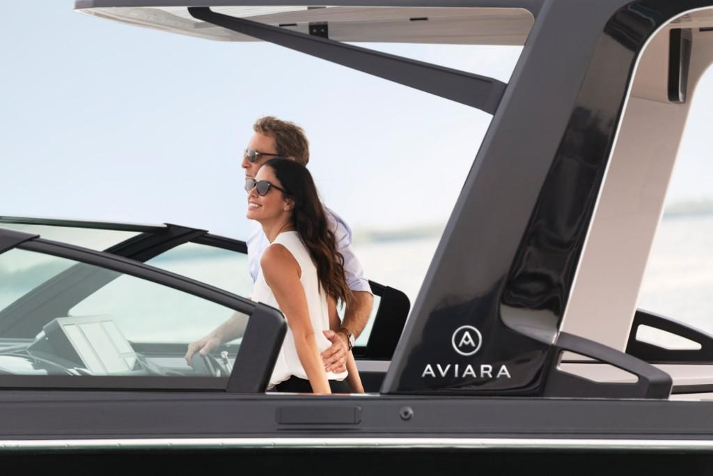 2020 Aviara                                                              AV32 Outboard Image Thumbnail #2