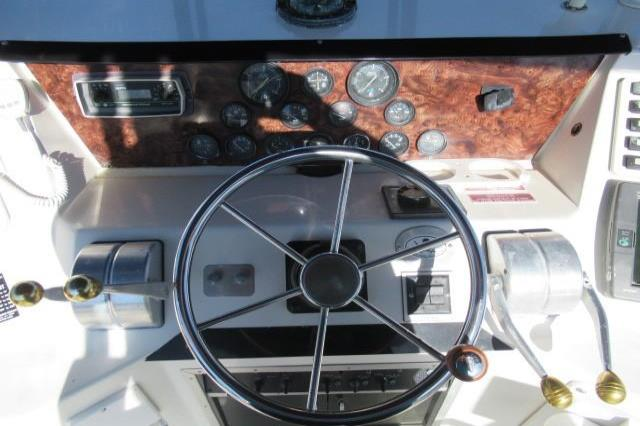 1989 Sea Ray 44 CONVERTIBLE Image Thumbnail #31