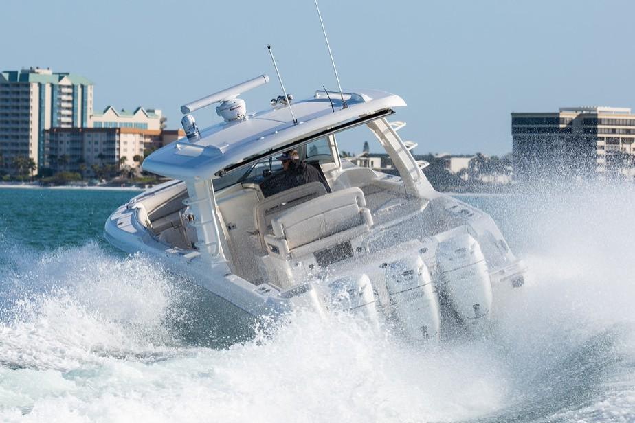 2019 Boston Whaler 350 Realm Image Thumbnail #4