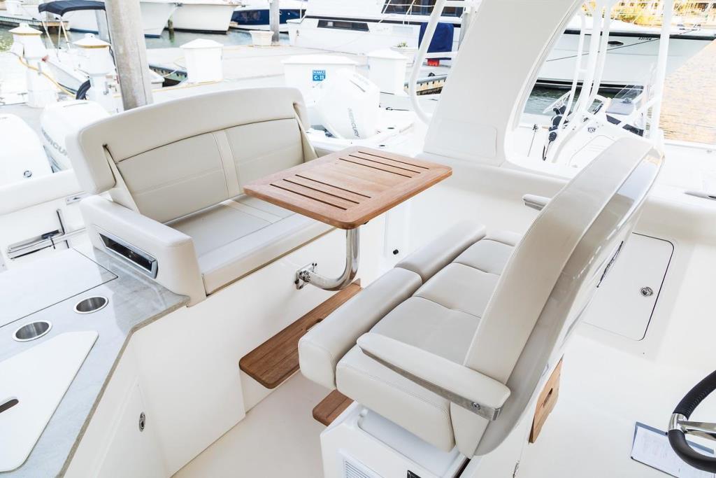 2019 Boston Whaler 350 Realm Image Thumbnail #9