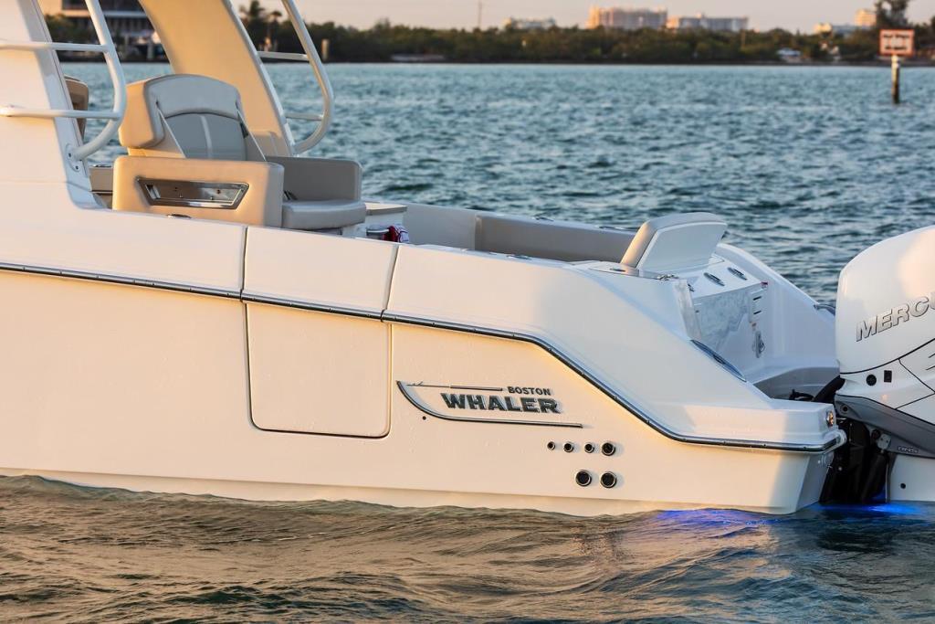 2019 Boston Whaler 350 Realm Image Thumbnail #14