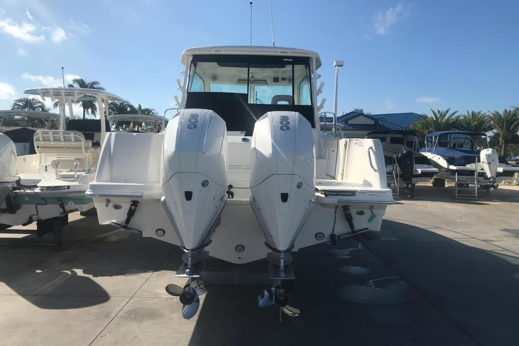 2019 Boston Whaler 315 Conquest Image Thumbnail #3