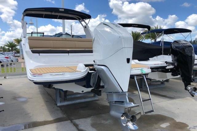 2019 Sea Ray SDX 270 Outboard Image Thumbnail #2