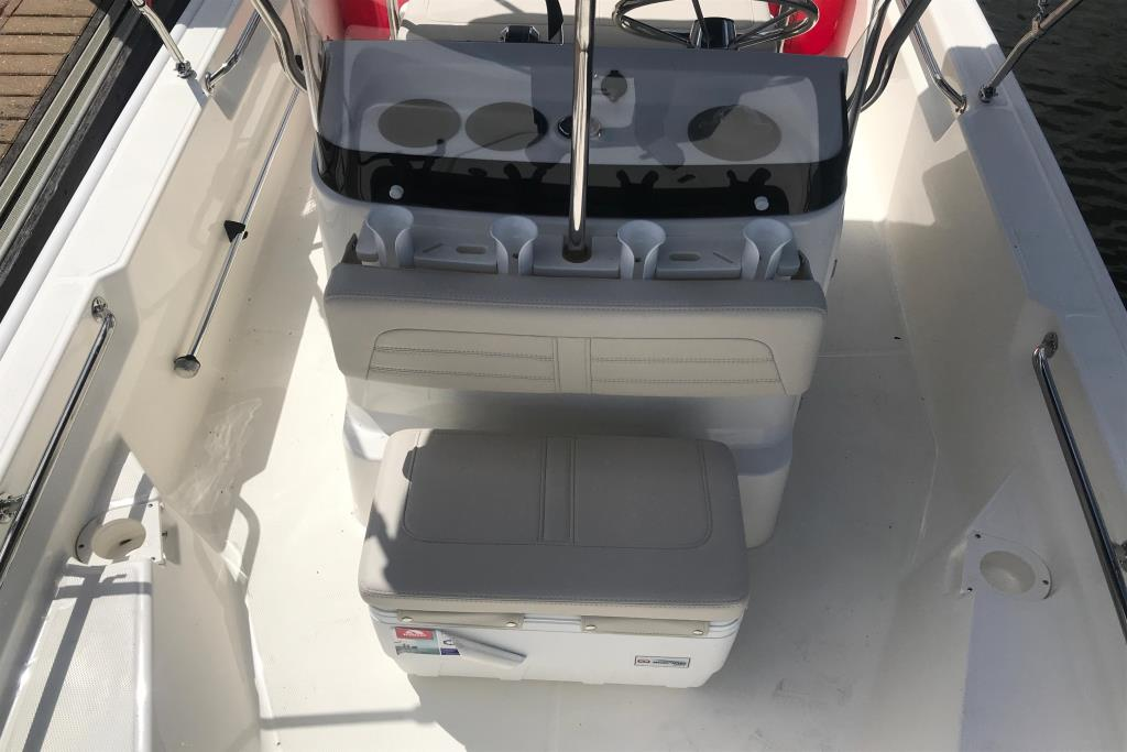 Photo 7 for 2019 Boston Whaler 150 Montauk
