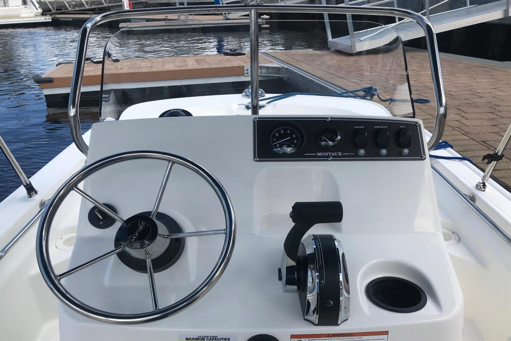 Photo 12 for 2019 Boston Whaler 150 Montauk