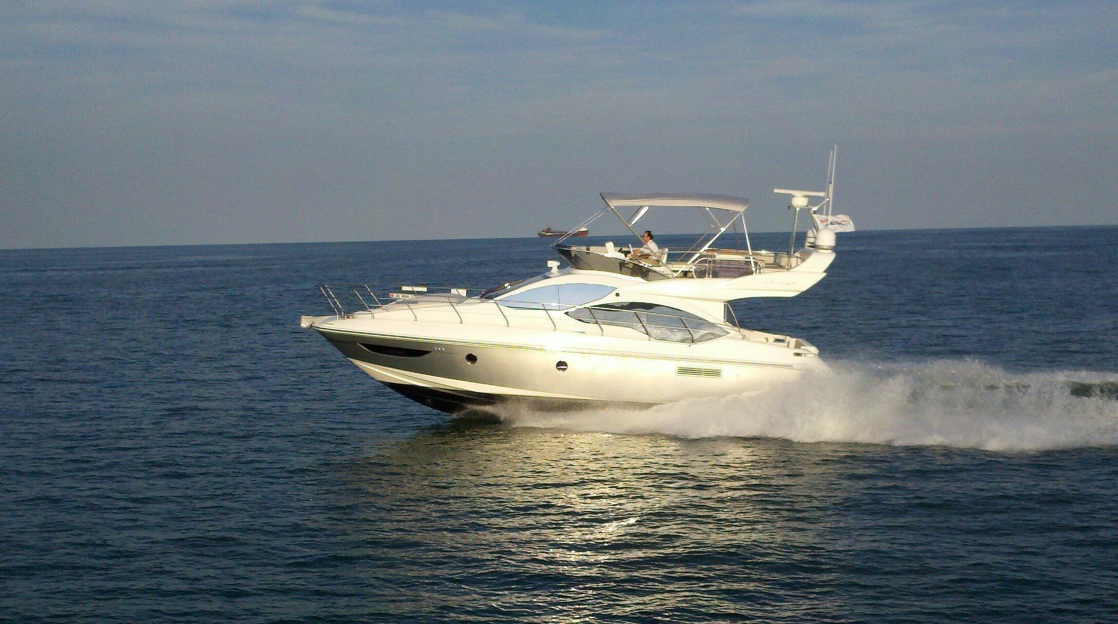 Thumbnail 1 for 2013 Azimut 45 fly