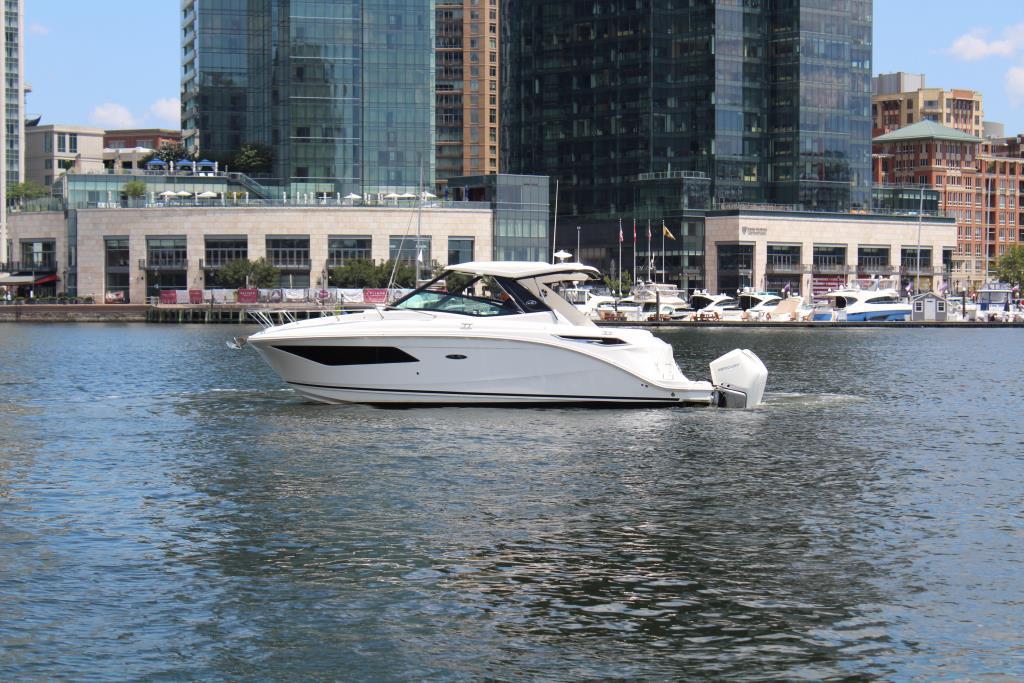 2020 Sea Ray Sundancer 320 Outboard Image Thumbnail #1