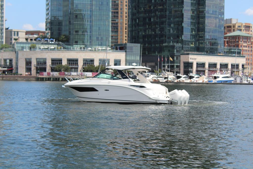 2020 Sea Ray Sundancer 320 Outboard Image Thumbnail #2
