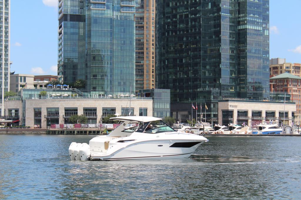 2020 Sea Ray Sundancer 320 Outboard Image Thumbnail #10