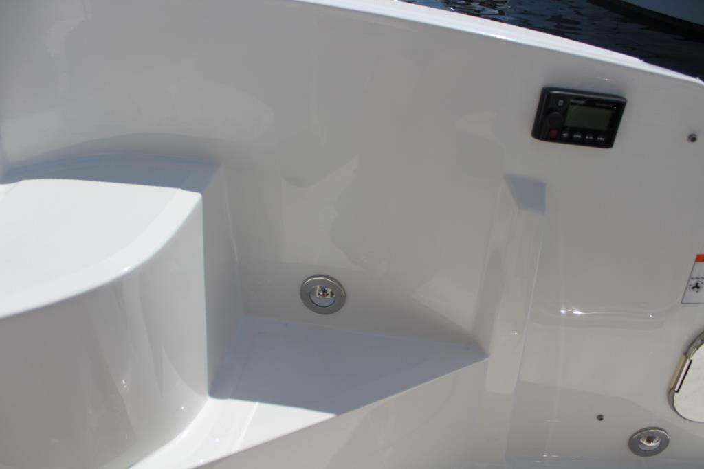 2020 Sea Ray Sundancer 320 Outboard Image Thumbnail #19