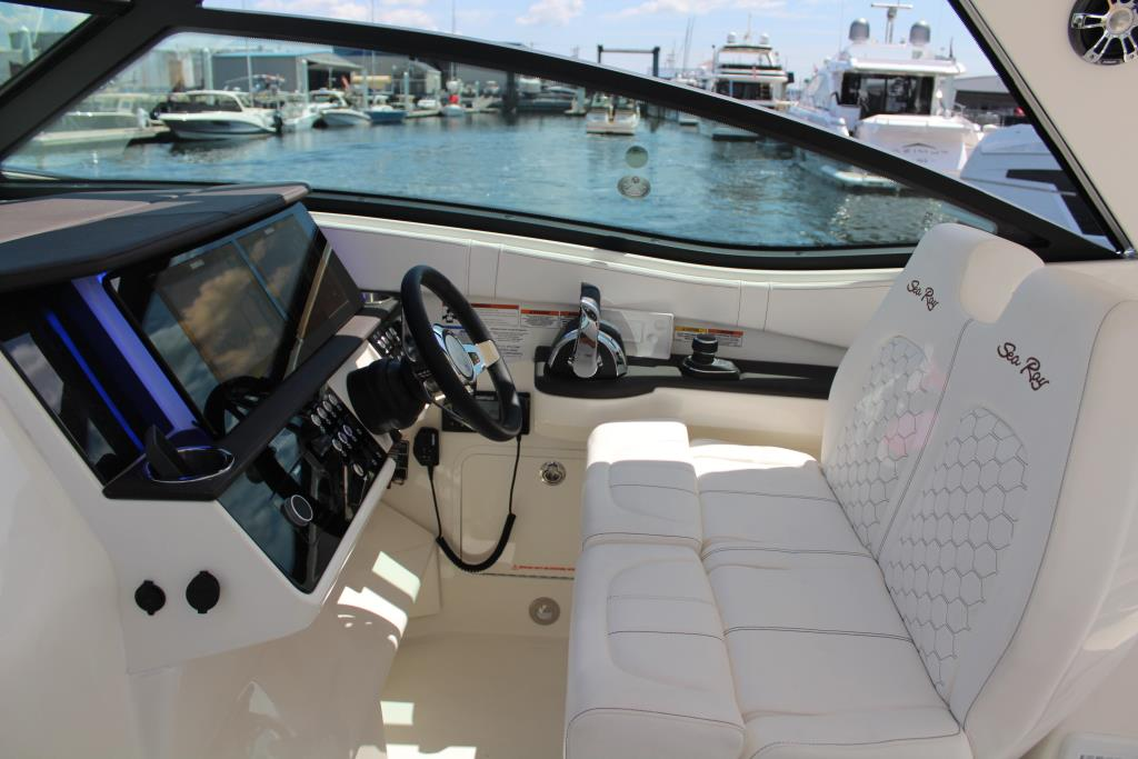 2020 Sea Ray Sundancer 320 Outboard Image Thumbnail #24