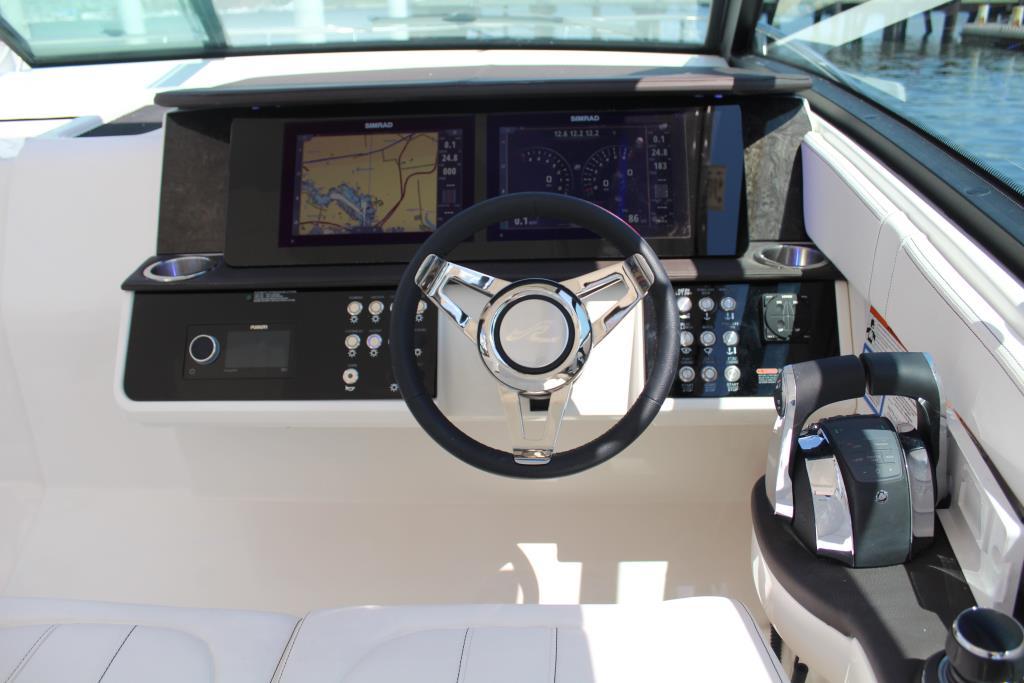 2020 Sea Ray Sundancer 320 Outboard Image Thumbnail #29
