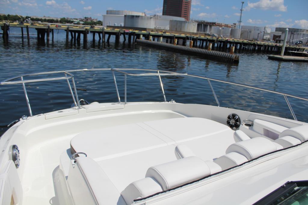 2020 Sea Ray Sundancer 320 Outboard Image Thumbnail #32