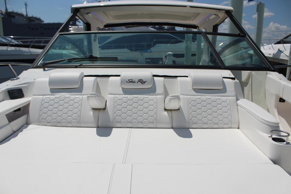2020 Sea Ray Sundancer 320 Outboard Image Thumbnail #34