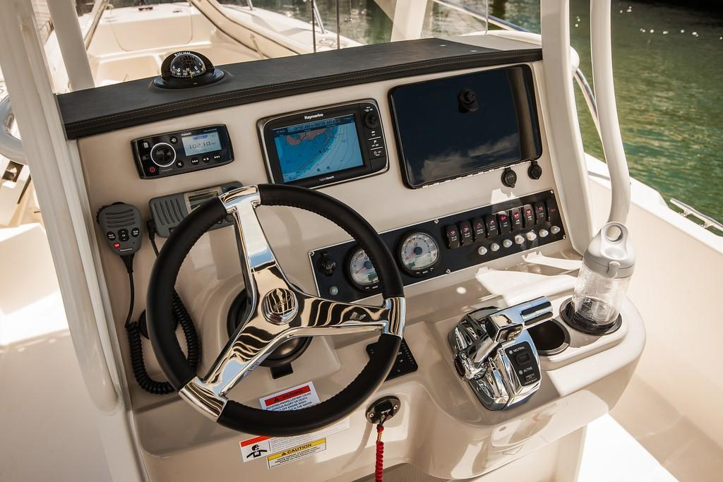 2019 Boston Whaler 240 Dauntless Image Thumbnail #21