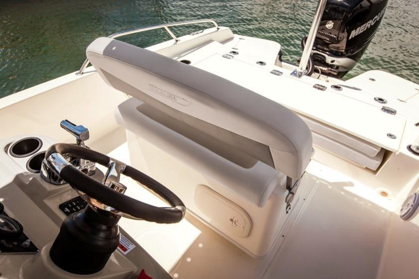2019 Boston Whaler 240 Dauntless Image Thumbnail #22