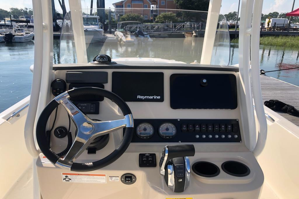 2019 Boston Whaler 240 Dauntless Image Thumbnail #5