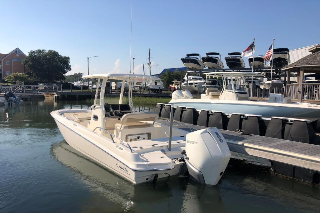 2019 Boston Whaler 240 Dauntless Image Thumbnail #2