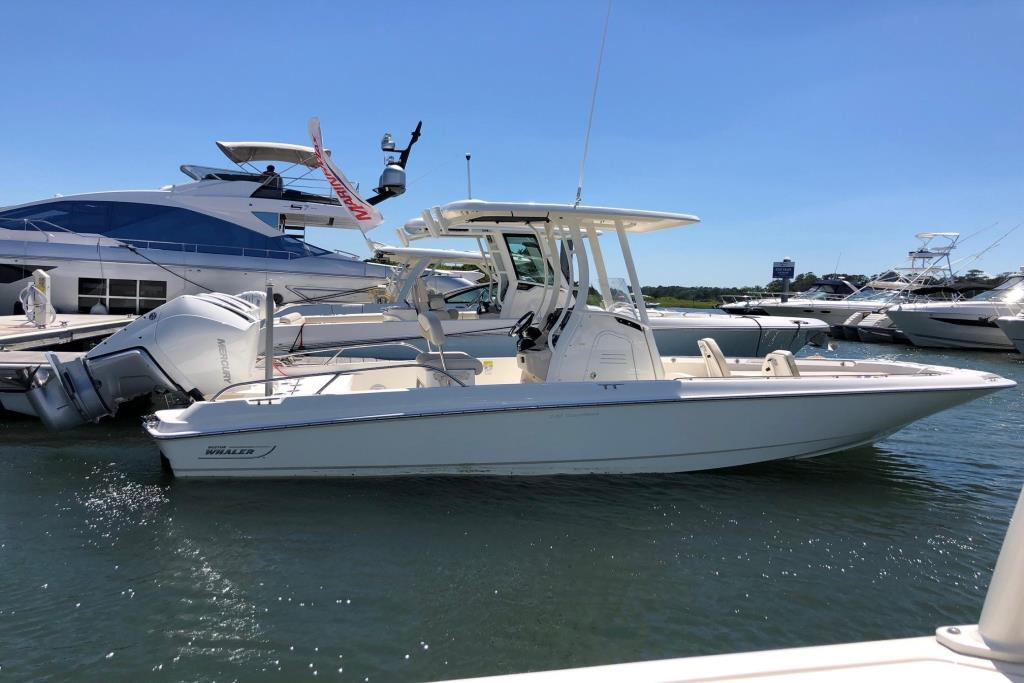 2019 Boston Whaler 240 Dauntless Image Thumbnail #0