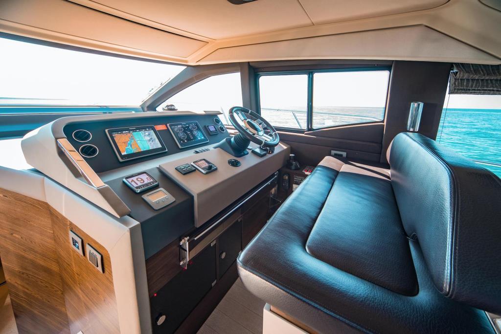 2015 Azimut 50 Flybridge Image Thumbnail #33