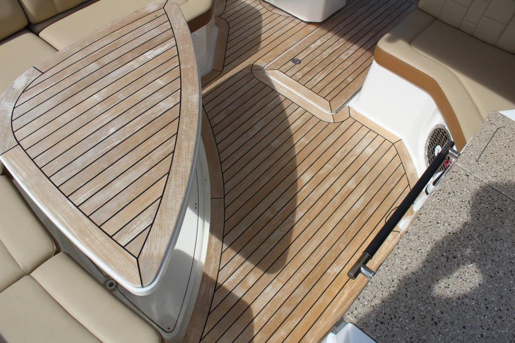 2015 Sea Ray 350 SLX Image Thumbnail #27