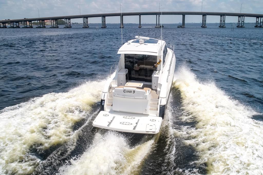 2015 Cruisers Yachts 48 Cantius Image Thumbnail #2