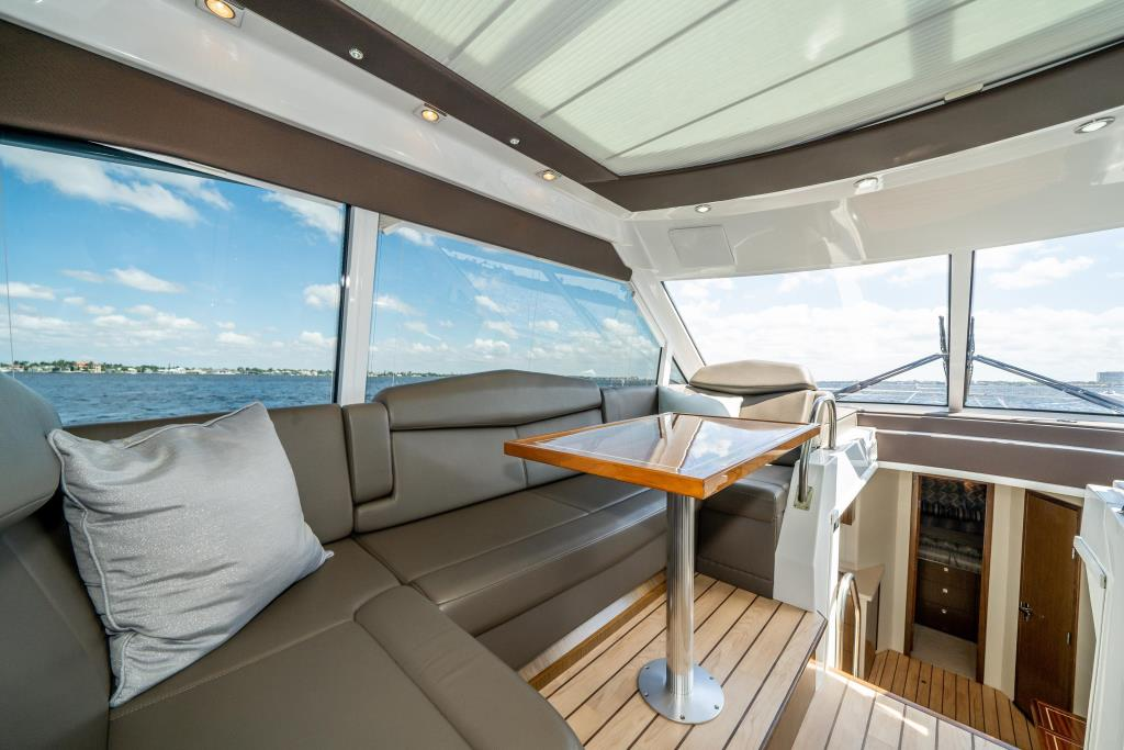 2015 Cruisers Yachts 48 Cantius Image Thumbnail #26