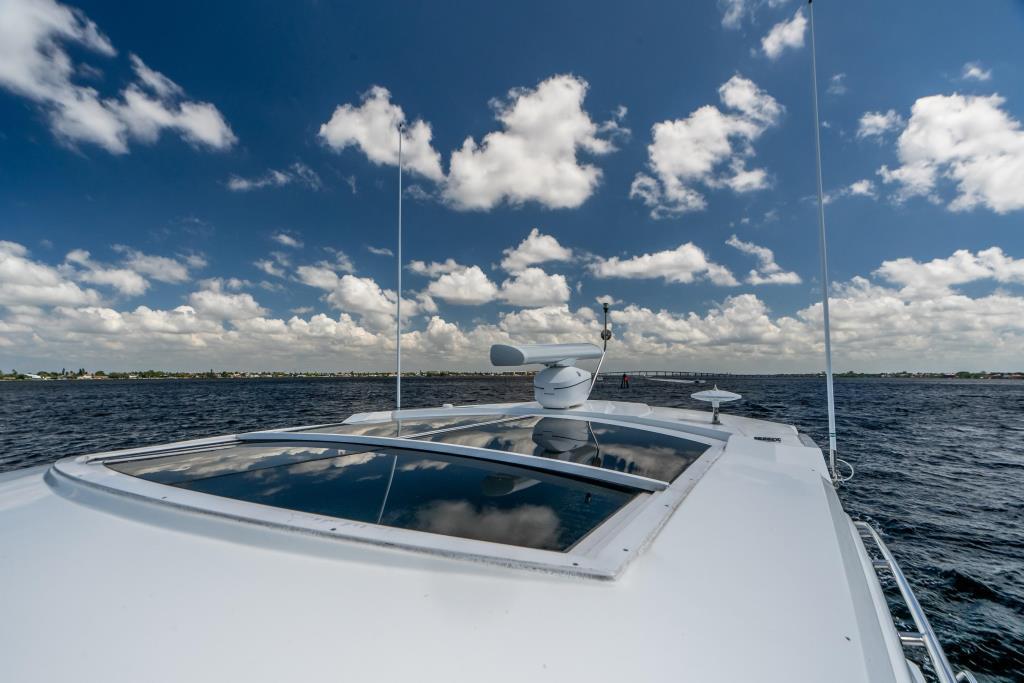 2015 Cruisers Yachts 48 Cantius Image Thumbnail #17