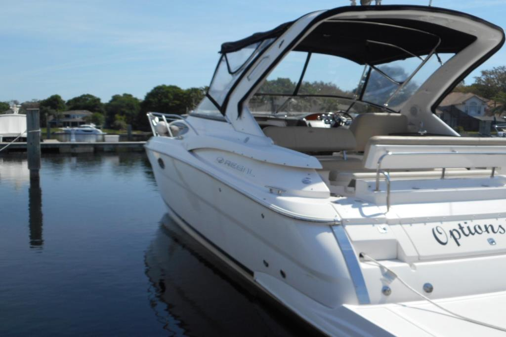 2012 Regal 35 Express Cruiser Image Thumbnail #3