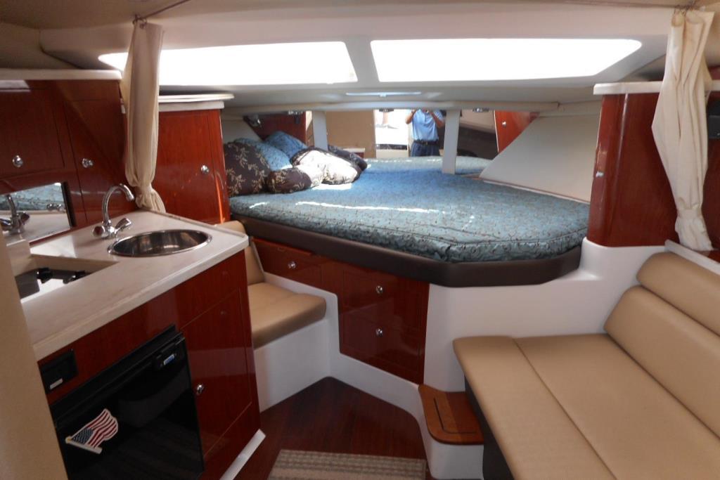 2012 Regal 35 Express Cruiser