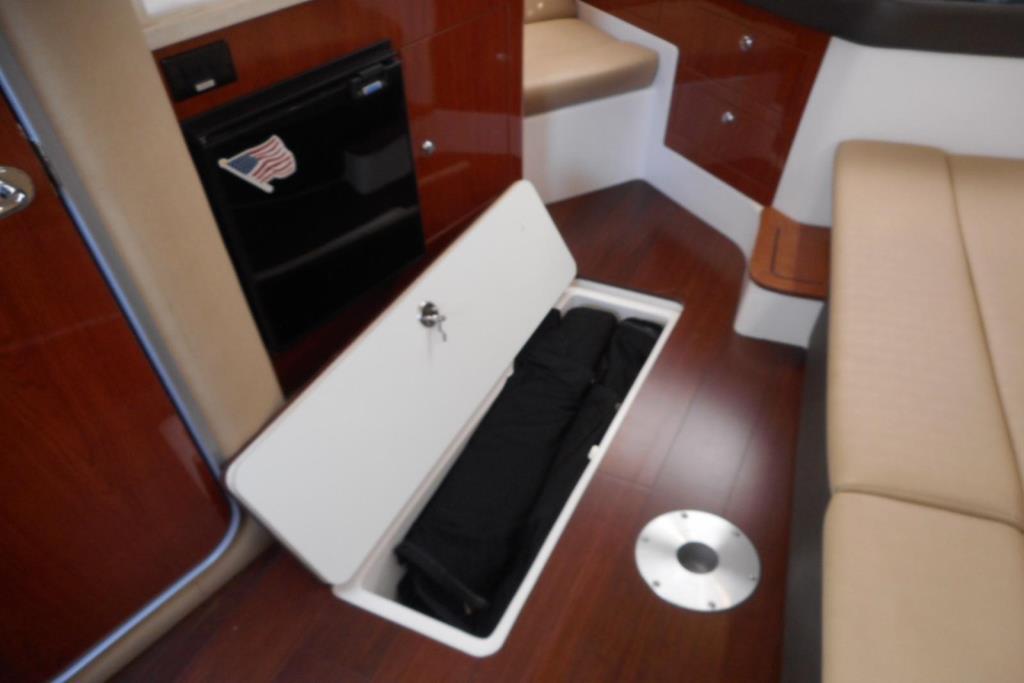 2012 Regal 35 Express Cruiser Image Thumbnail #31