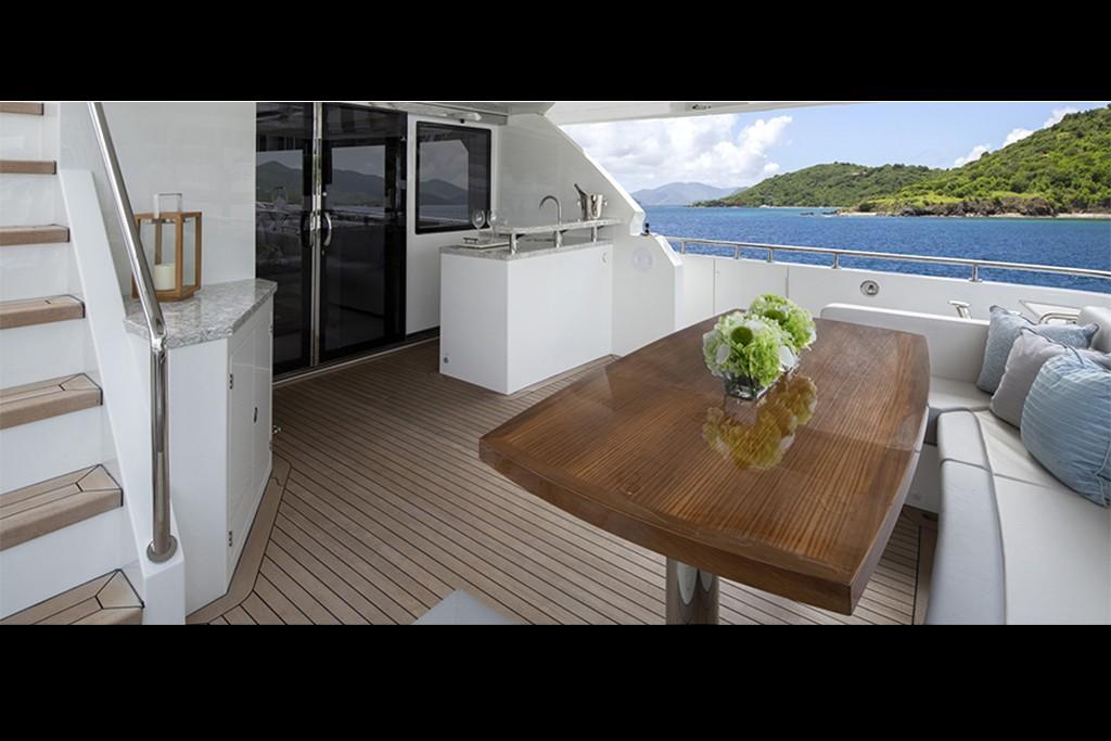 2019 Ocean Alexander 88 Motoryacht Skylounge Image Thumbnail #4